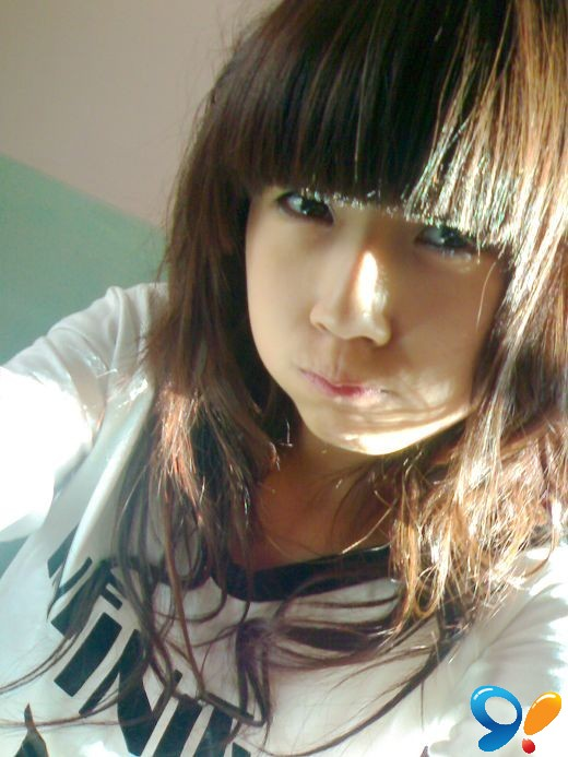 16岁女生真实照片-女生16岁下边长毛了吗,15岁的女生b长毛了吗